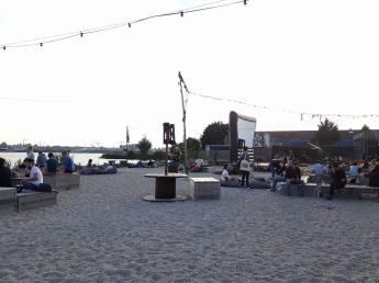 dam bar plage