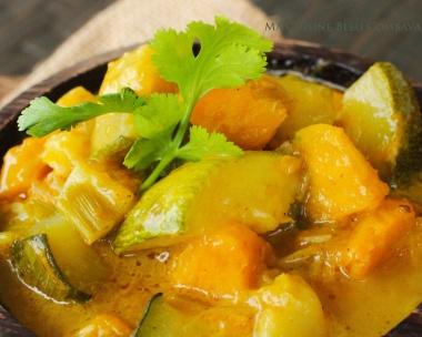 ob_836d73_curry-de-legumes-lait-de-coco1.jpg